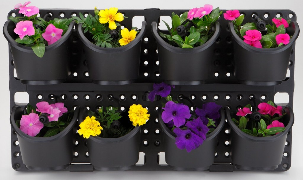 60 vertical garden kit with built in irrigation. Black Bedroom Furniture Sets. Home Design Ideas